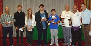 I premiati del torneo B: (da sinistra a destra) Abdelaziz Jimchi, 5°, Zeno Fratton, 5°, Giulia Polin, 4^; Martino Aprile, 3°; Lorenzo Lodici, 2°; Amleto Penzo, 2°; Simone Marangoni, 1°; Enrico Timothy Testa